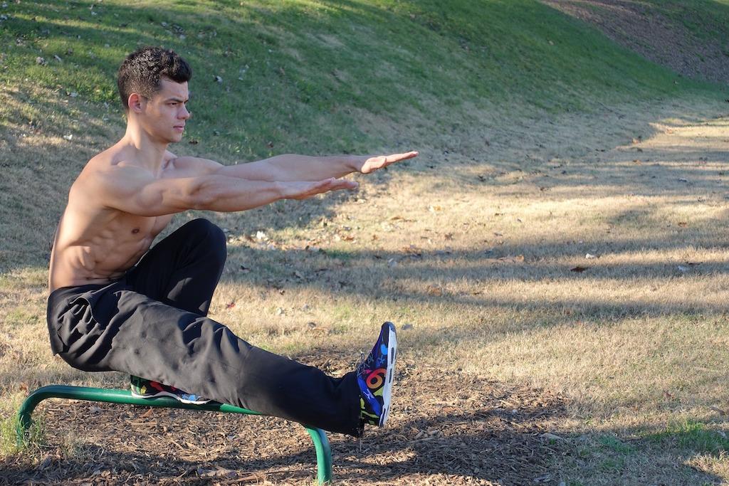 pistol-squat-bodyweight-training